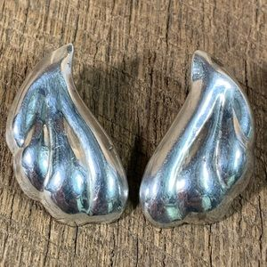 Taxco 925 Sterling Silver Puffy Earrings